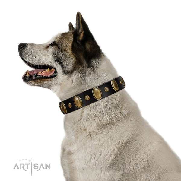 Exquisite design natural genuine leather Akita Inu  collar with studs