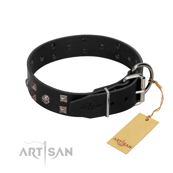 Pleasant to wear leather dog collar cause no irritation or damage to skin