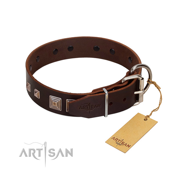 Comfortable leather dog collar has no chemicals