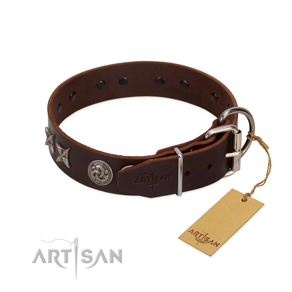 Pleasant to wear leather dog collar causes no irritation