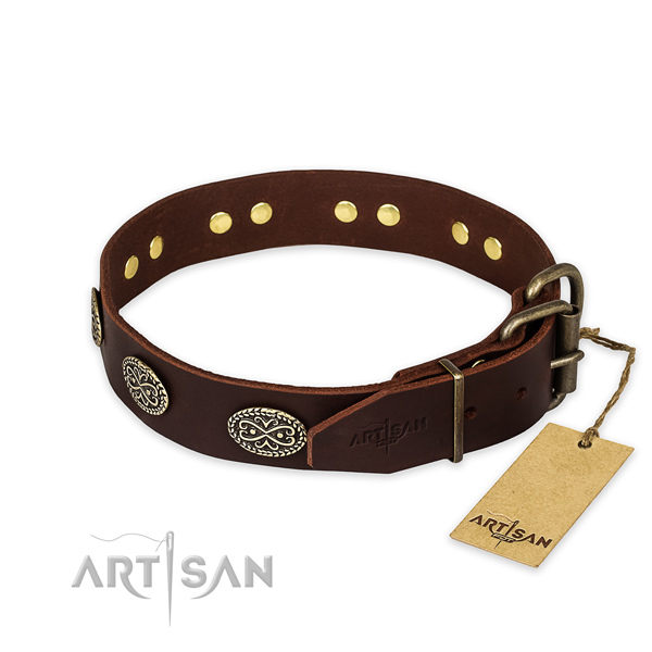 Natural Leather Dog Collar Decorated with Oval Plates