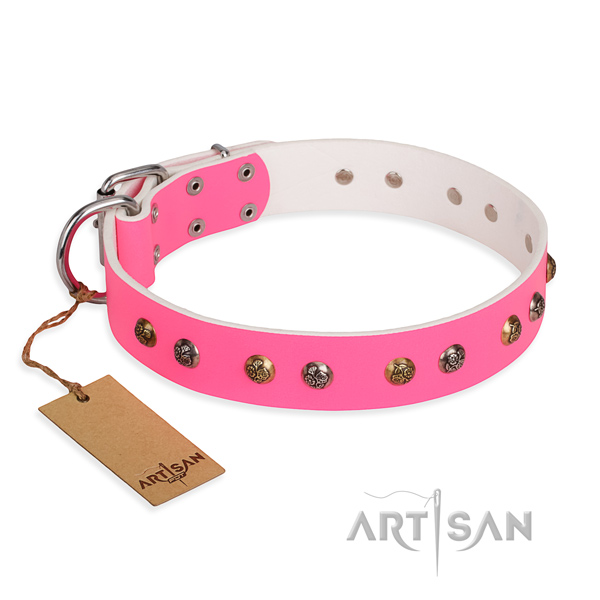 Fashion Pink Leather Dog Collar Decorated with Flower Form Studs