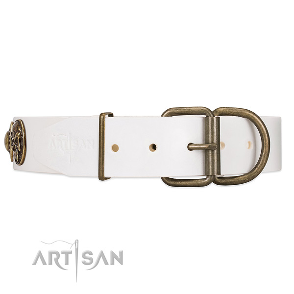 Leather Dog Collar with Strong Traditional Buckle for Easy Adjustment