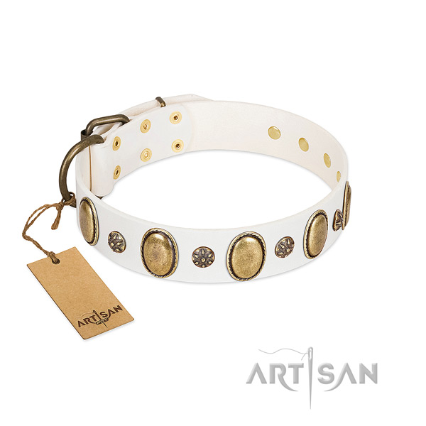 FDT Artisan white leather dog collar for comfortable wear