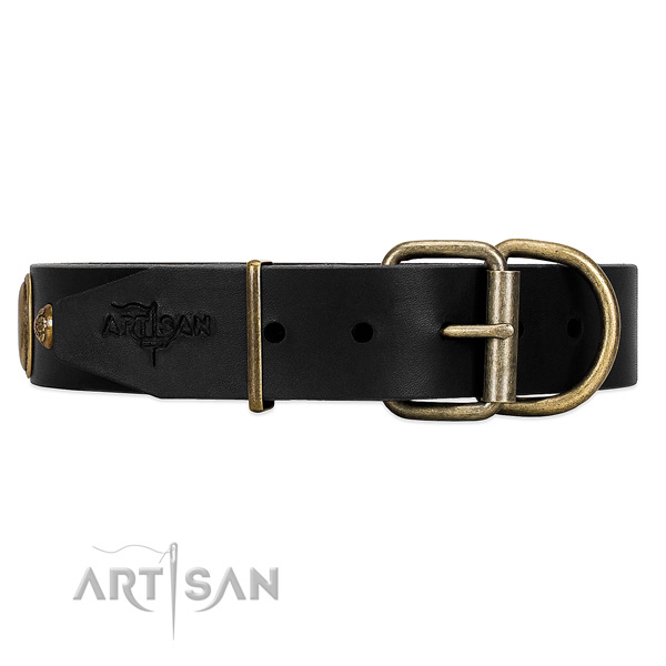 High-quality leather dog collar with comfy to use hardware