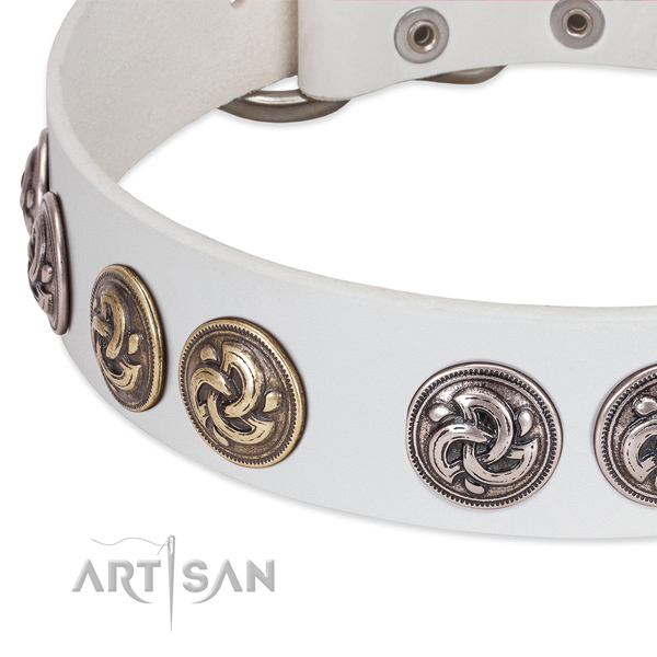 White leather FDT Artisan dog collar with old silver- and