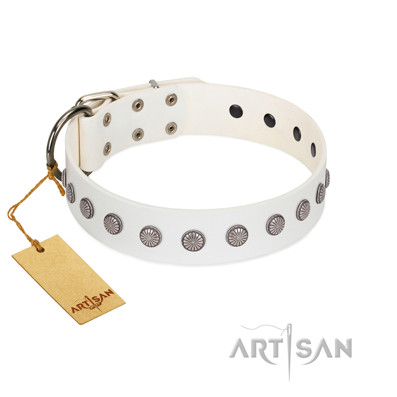 """Flower Boom"" FDT Artisan White Leather Dog Collar - Click Image to Close"