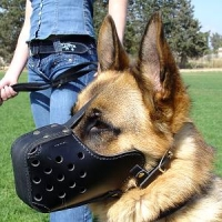 German Shepherd Leather Basket Cage Dog Muzzle for Training and Walking